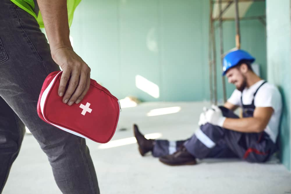 What's the Difference Between a Workers' Compensation and a Personal Injury Claim?